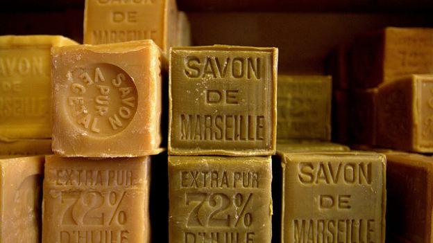 L'uso del sapone di Marsiglia come insetticida naturale